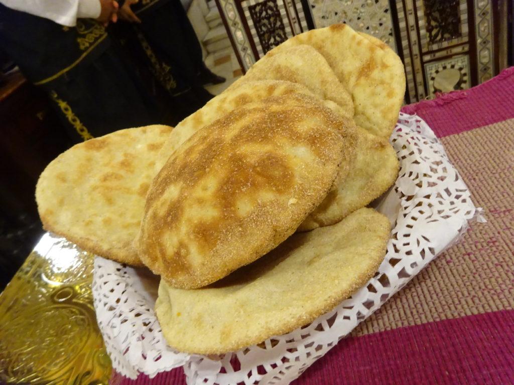 エジプトのパンのアエーシ
