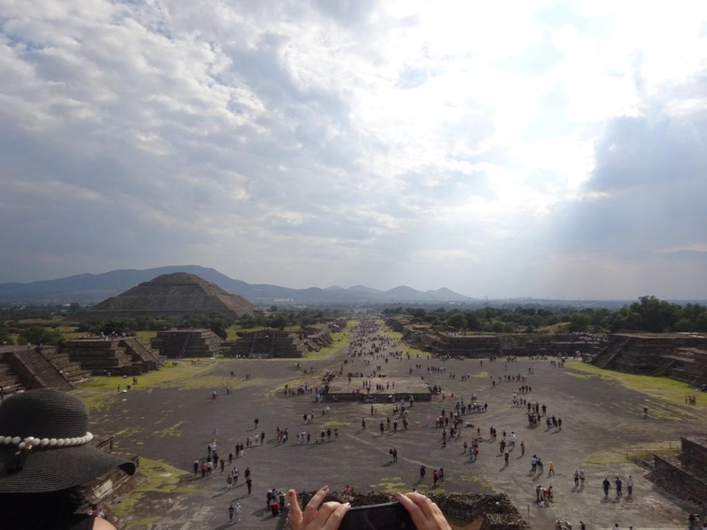 テオティワカンからの遺構全体の眺め