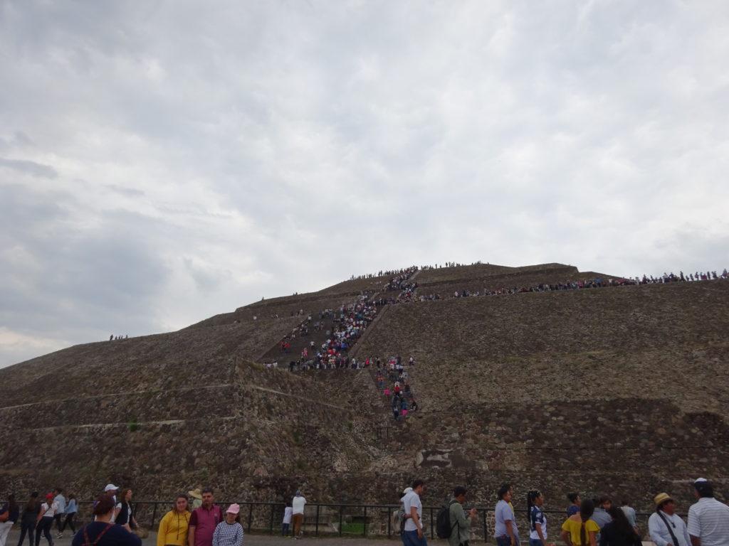 テオティワカン遺跡・太陽のピラミッド