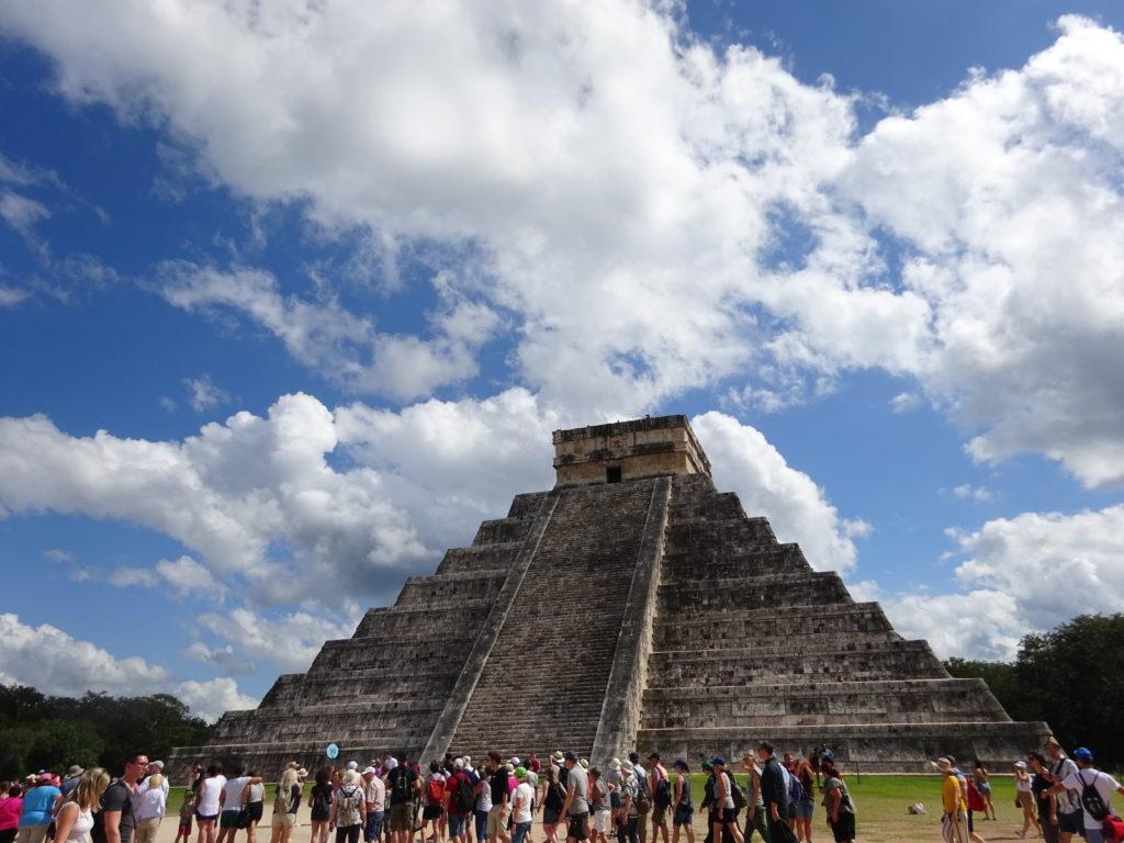 マヤ文明の遺跡チチェン・イッツァ