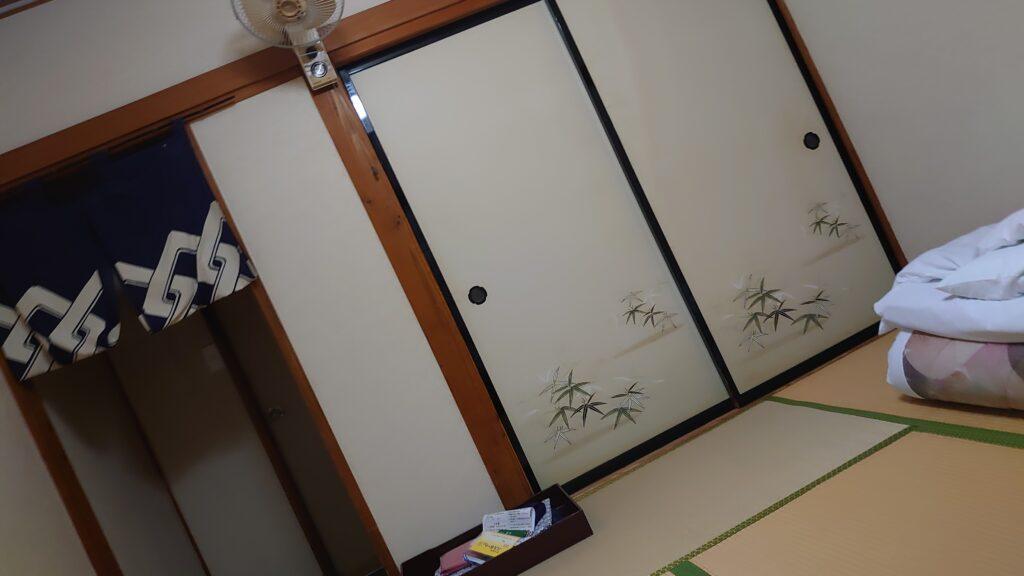 玉川温泉の宿泊部屋(湯治用)