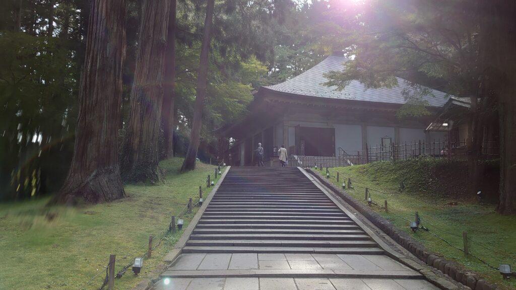 中尊寺金色堂の覆堂