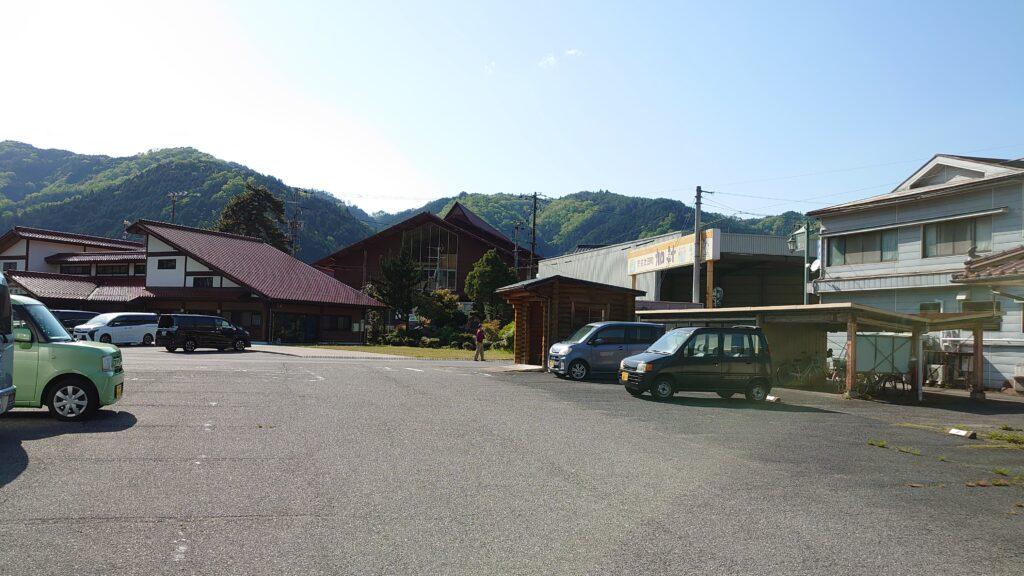 月ヶ瀬温泉の駐車場