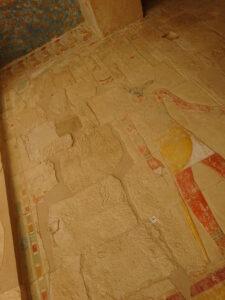 ハトシェプスト女王葬祭殿内の削られた壁画