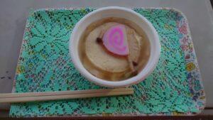 青森県の館鼻岩壁朝市のせんべい汁