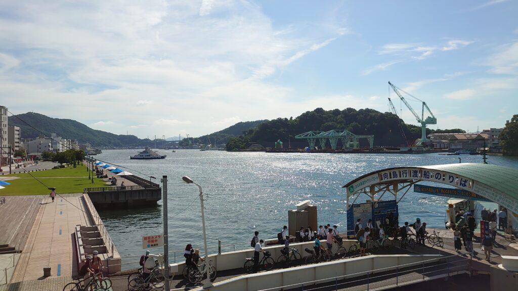 広島県尾道市の港の様子